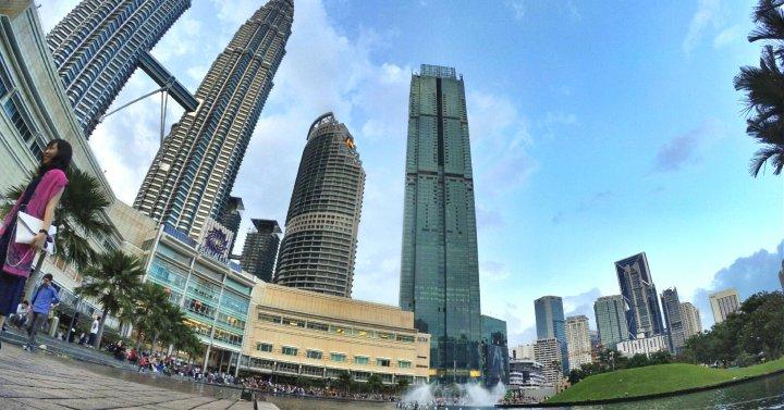 KLCC Kuala Lumpur Malaysia Kuala Lumpur City Centre Selangor Travel Raymond Ong Effye Ang Pinky Ning Estella Oon PETRONAS Twin Towers 马来西亚 吉隆坡 双峰塔 旅游雪兰莪A00