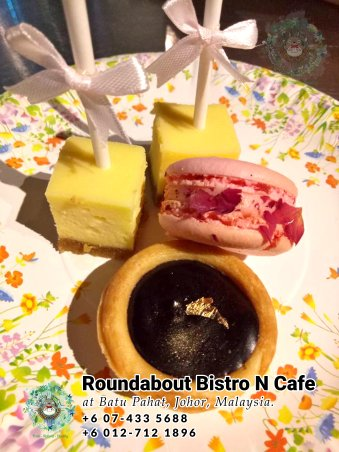 Batu Pahat Roundabout Bistro N Cafe Malaysia Johor Batu Pahat Totoro Cafe Historical Building Cafe Batu Pahat Landmark Buffet Birthday Party Wedding Function Event Kopitiam P01-33