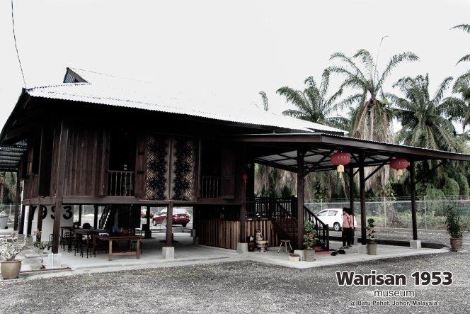 Tony Martin Kher founder of Warisan 1953 Museum at Batu Pahat Johor Malaysia Heritage 1953 Artist Joey Kher A03