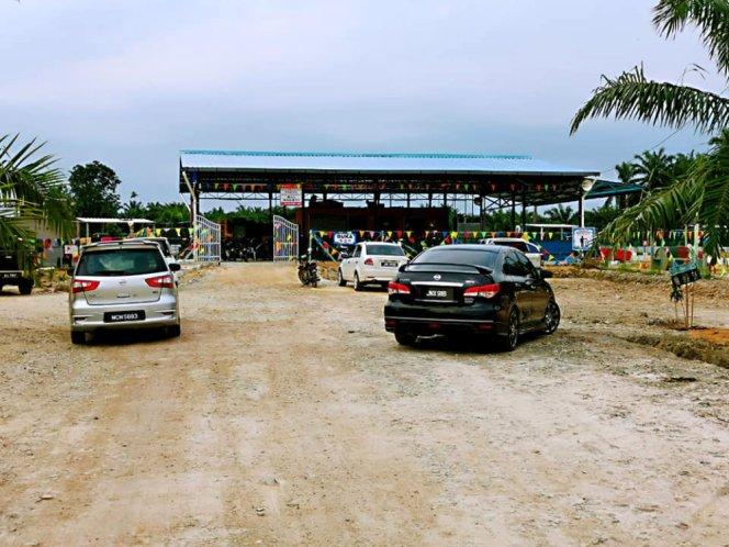 Kolam Memancing Simpang Sikon - Kolam Memancing Ikan Parit Raja Batu Pahat Johor Malaysia B04