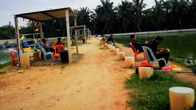 Kolam Memancing Simpang Sikon - Kolam Memancing Ikan Parit Raja Batu Pahat Johor Malaysia B18