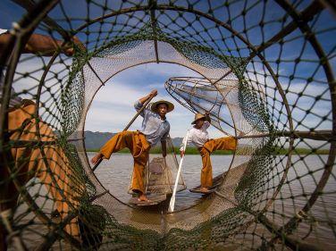 inle-lake-fishermen_94272_990x742