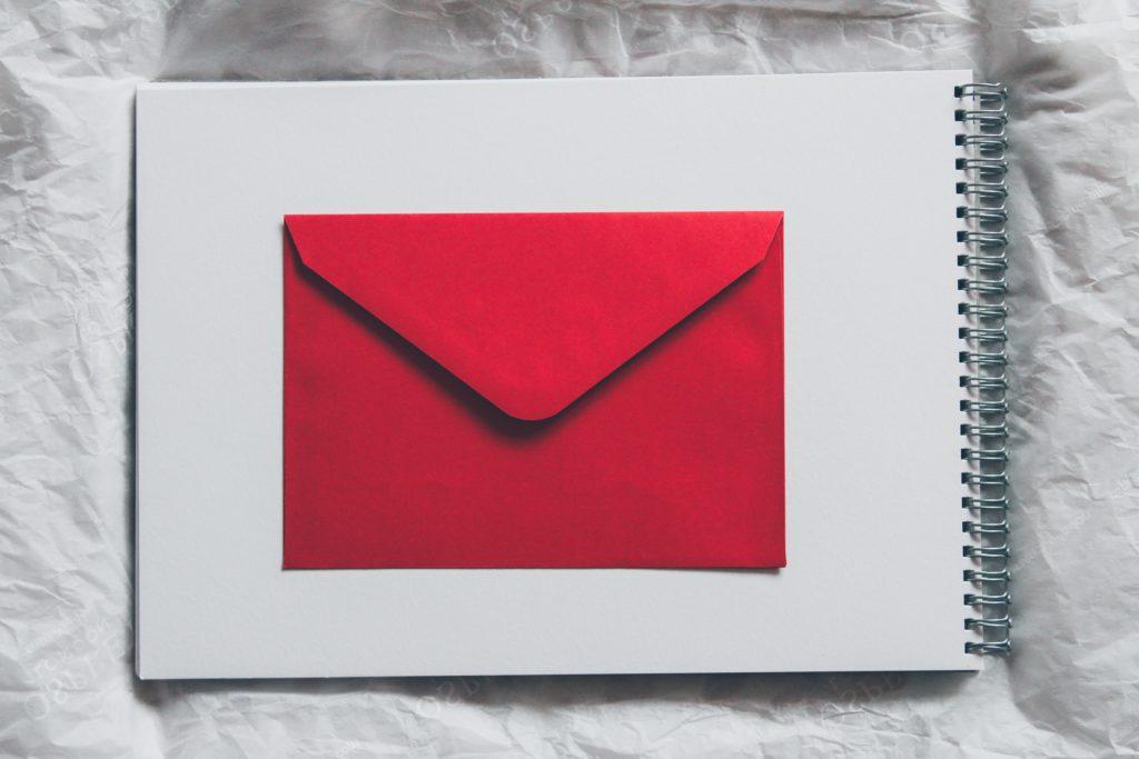 red envelope sending message