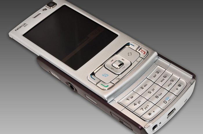 What can I do with my old or broken smartphone
