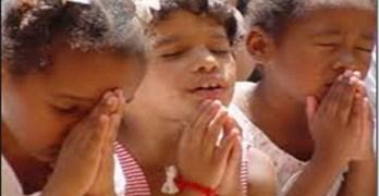 Children Christmas Pray