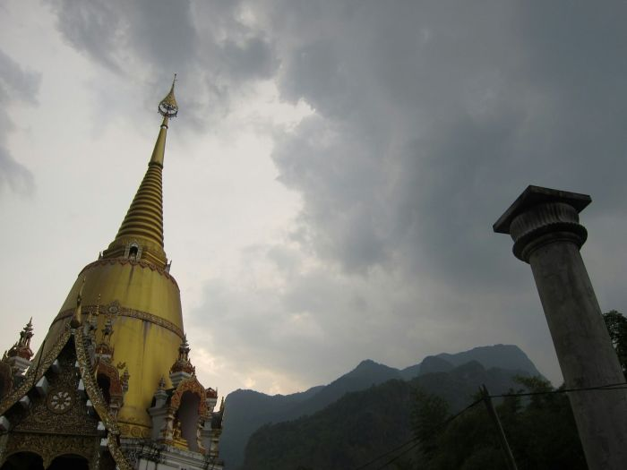 A seemingly abondoned wat near Doi Chiang Dao Mountain.