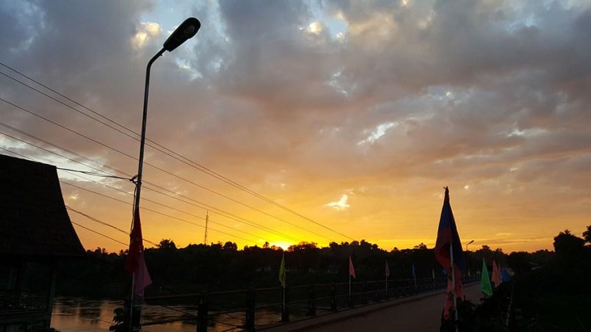 Thalat, Laos