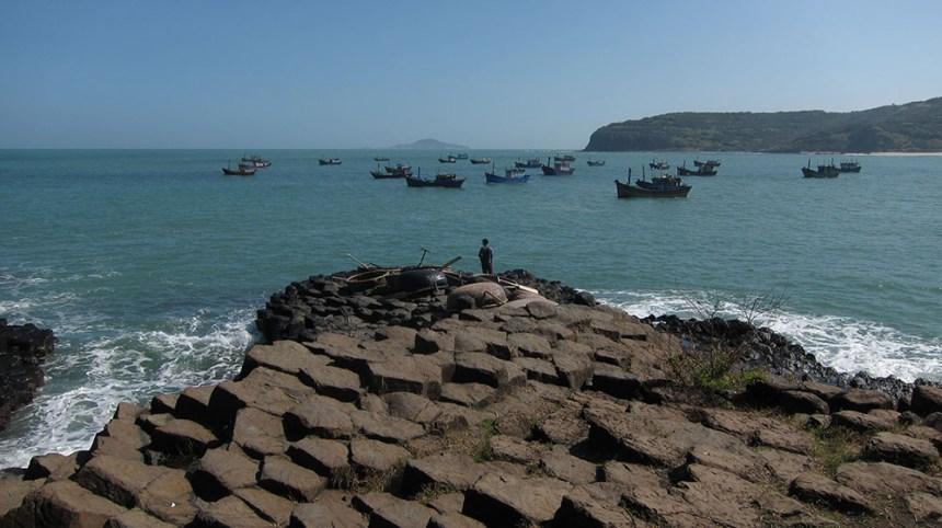 Coastal road Tuy Hoa to Quy Nhon