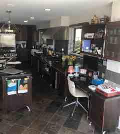 moussa-eggersmann-la-kitchen-desk-island