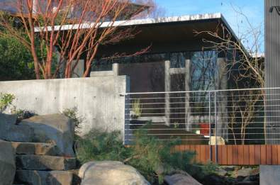 bbh-seattle-modern-house-south-elevation-bridge