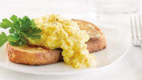 microwave scrambled eggs