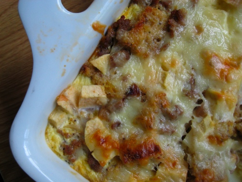 Sausage, Cheddar & Apple Strata | eggs on sunday
