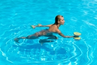 #FeelGoodFriday: Exercises to Practice in Your Backyard Pool