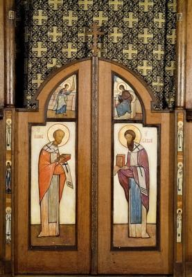 Figure-17-Portes-saintes-de-l-iconostase-de-l-autel-de-saint-Tikhon-Eglise-des-Trois-Saints-Docteurs