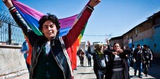 Minorías apoyan minorías: Los Kurdos y festival anual LGBT en Estocolmo