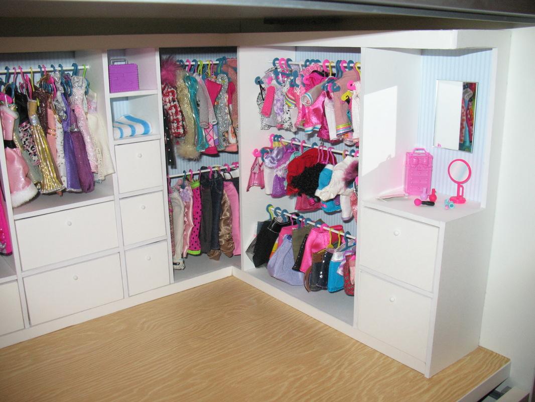 Wardrobe For Dolls Armario Para Muecas Egolons Ville