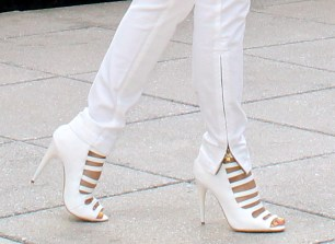 Latest-white-shoes-2013-5