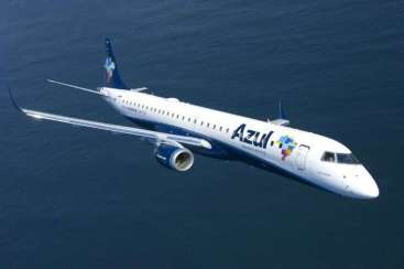 01-Azul-Embraer-195 Title category