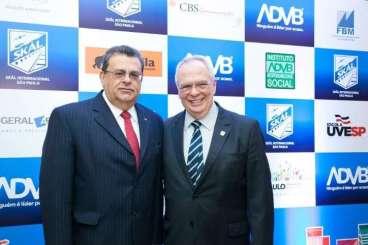 Aristides Cury, presidente do Skal-SP e Latif Abrão Jr., presidente da ADVP - Foto: Divulgação