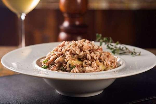 Risoto de carne seca com feijão fradinho e provolone - Foto: Divulgação