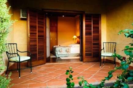 Locai possui quartos espaçosos e confortáveis - Foto: Divulgação