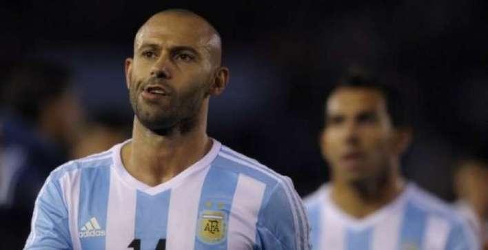 Mascherano anuncia que vai se aposentar da seleção Argentina