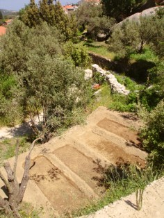 pur terraced gardens below
