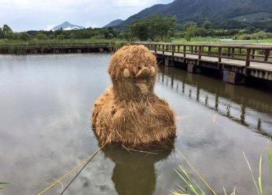 japon-paille-sculptures-dinosaures-12