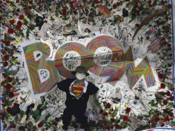 Superman est un super-héros de bande dessinée américaine appartenant à l'Univers de DC Comics et crée en 1933