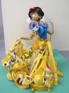 Blanche-Neige et les Sept Nains (titre original : Snow White and the Seven Dwarfs) est le premier long-métrage d'animation et « classique d'animation » des studios Disney, sorti le 21 décembre 1937.