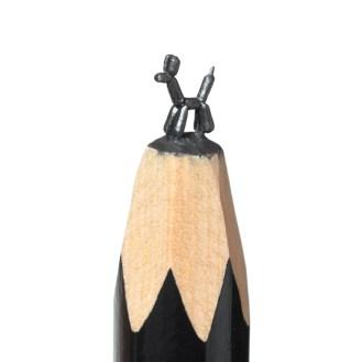 salavat-fidai-crayon-mine-baloon-dog