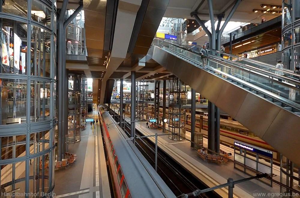 Hauptbahnhof Berlin 12