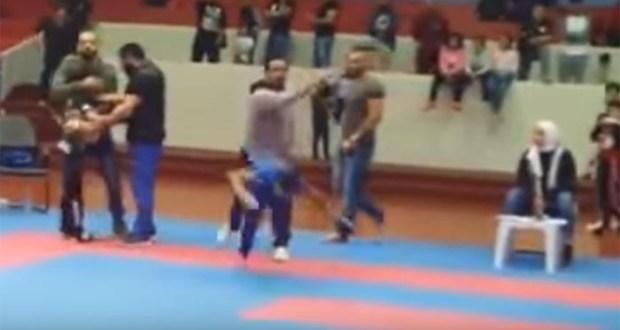 كويتى يضرب طفل بعد فوزه على ابنه فى الكاراتية