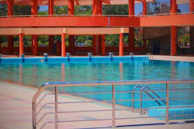 مجمع حمام السباحة فى نادى الشمس