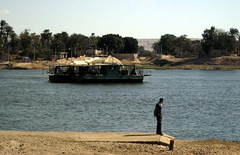 The el-Till ferry to Tell el-Amarna