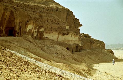 Istbl Antar rock shrines