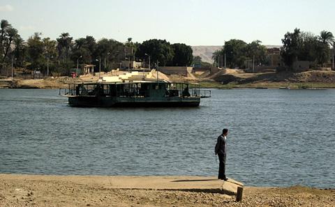 el-Till ferry to Amarna