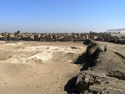 Mudbrick walls of Kom es-Sultan