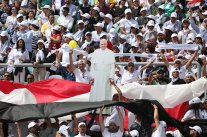 2017-04-30 Pope Francis Mass in Cairo Stadium 2017 05 Youm7