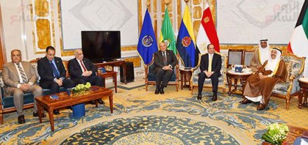 2017-05-07 President El-Sisi and Egyptian officials meeting in Kuwait with Emir Al-Sabah and Kuwaiti gov Youm7