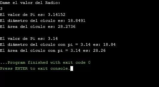 Uso de variables locales y globales en C++
