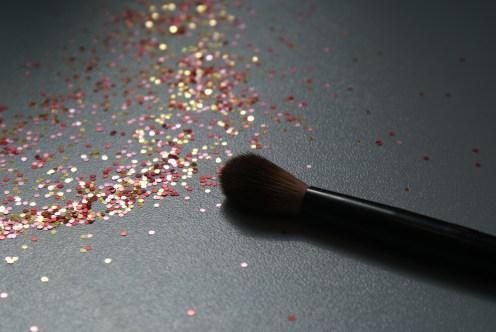 Crease colour brush