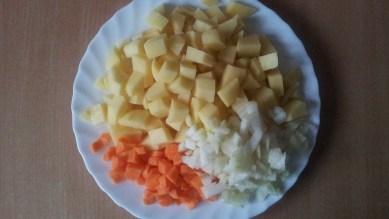 Kartoshka-luk-morkovj