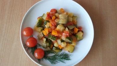 Цукини с овощами6