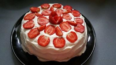 Торт с клубникой11