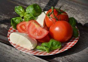 tomatoes, caprese, mozzarella