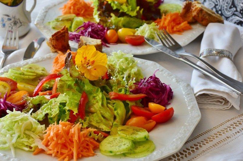 salad, salad platter, salad plate-2655893.jpg