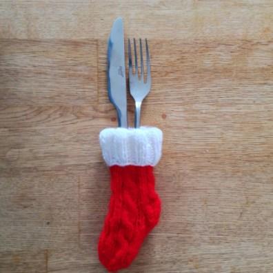 Lille strikket julesok til bestik