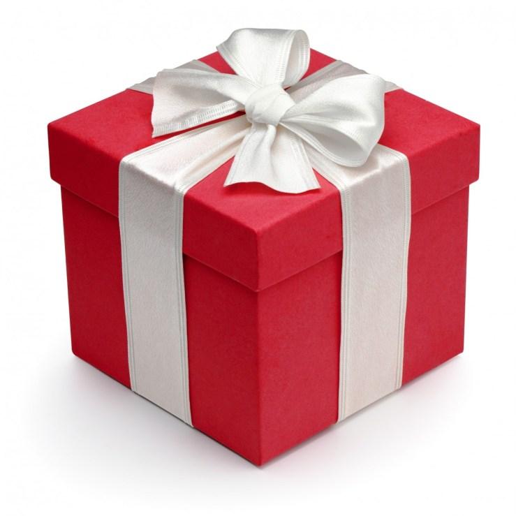 Rød-gavepakke-med-hvidt-bånd