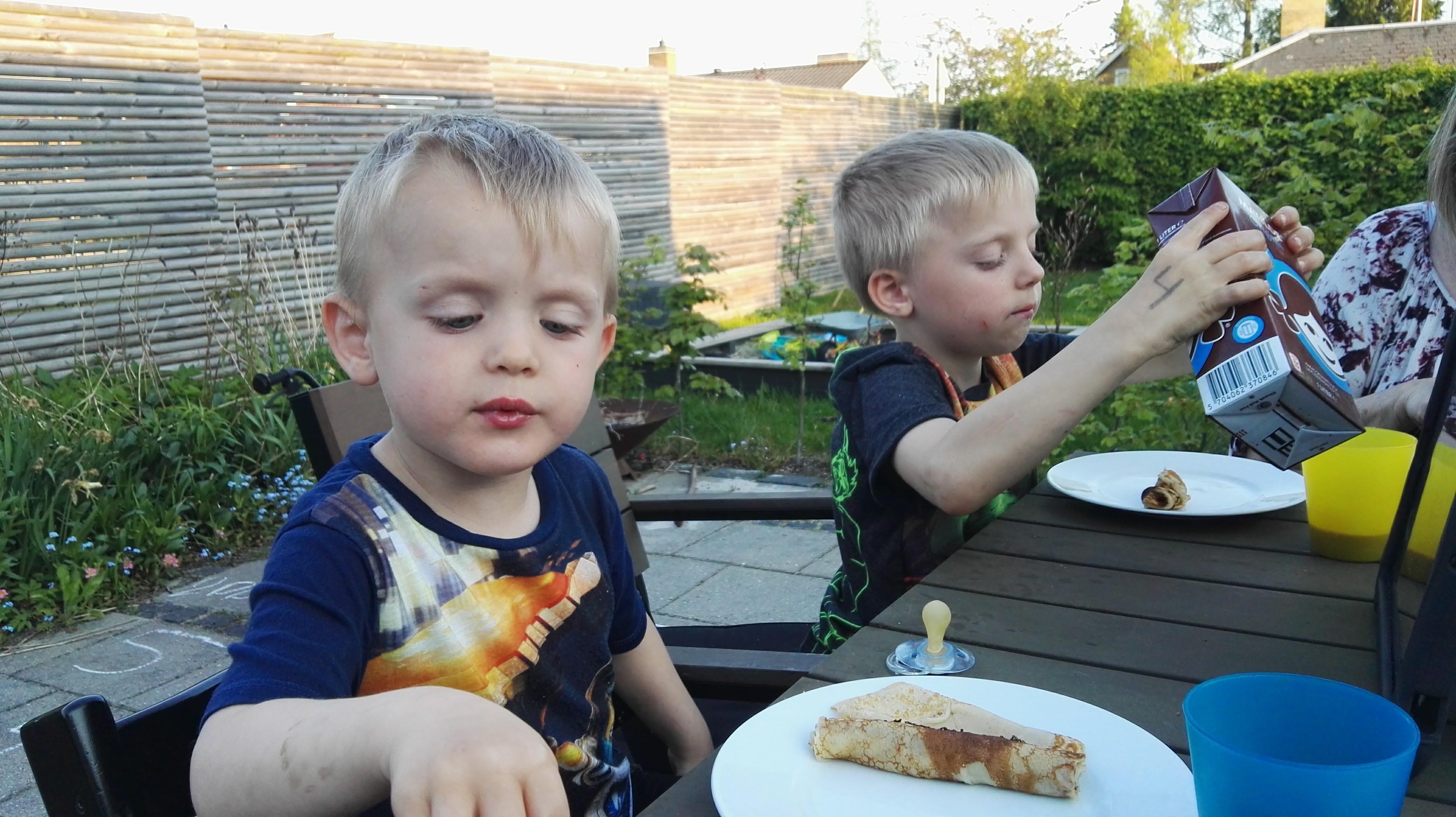 Aftensmad i haven